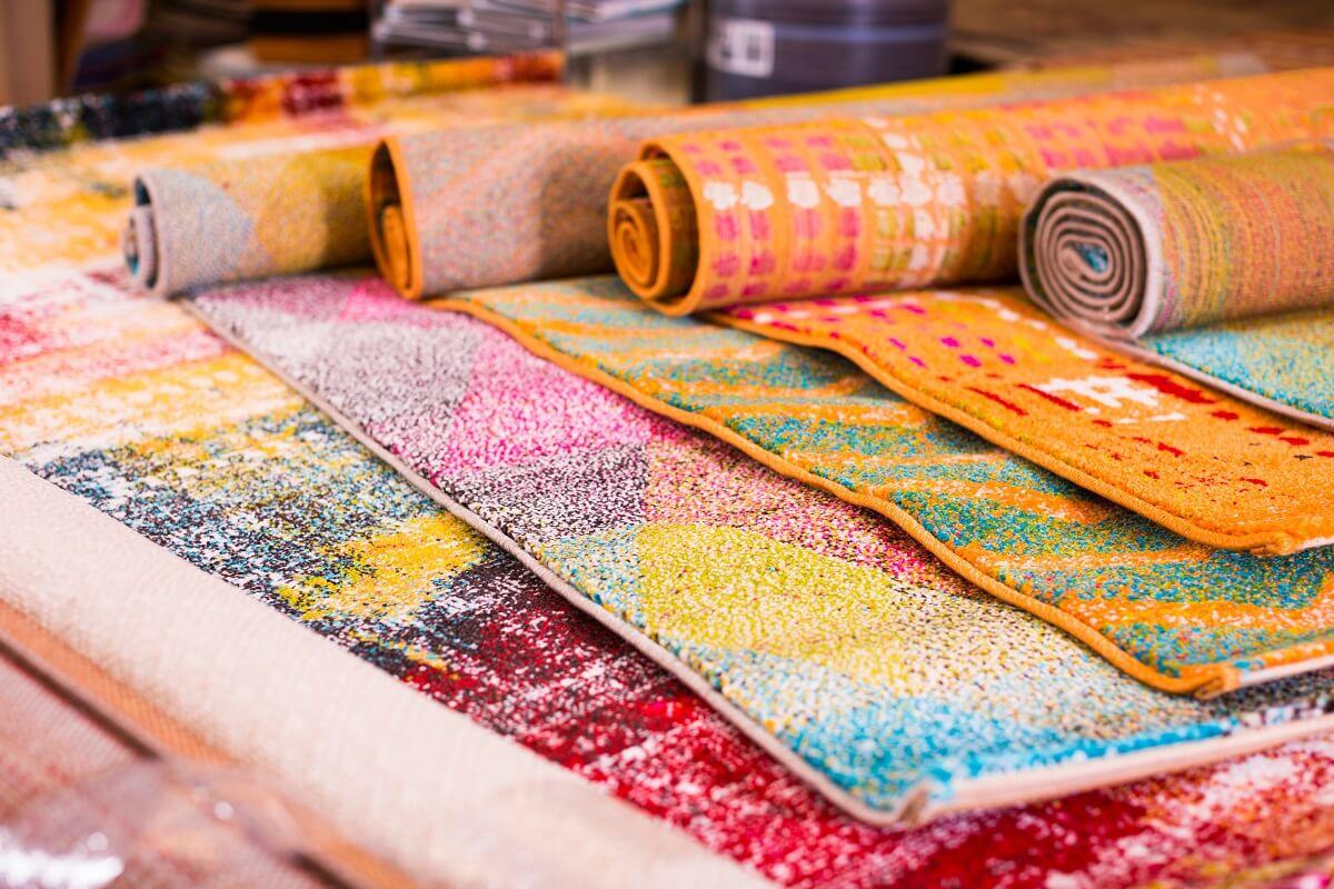Работа ковров для девушек рост модели для работы в китае